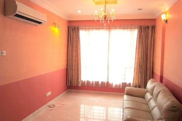 For Sale Apartment at e-Tiara, Subang Jaya Freehold Semi Furnished 2R/2B 578k