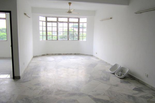 For Rent Condominium at Goodyear Court 6, UEP Subang Jaya Freehold Semi Furnished 3R/2B 1.15k