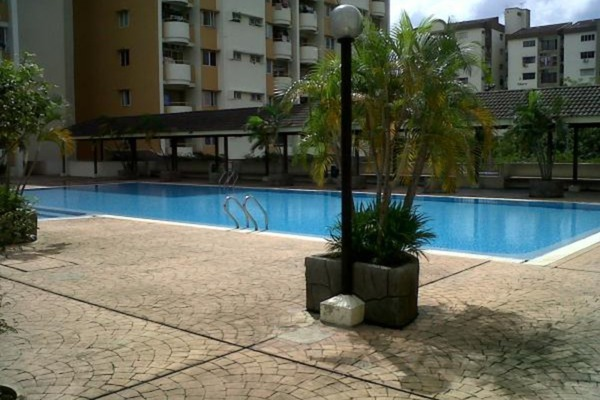 For Sale Condominium at Meadow Park 2, Old Klang Road Freehold Semi Furnished 3R/2B 385k