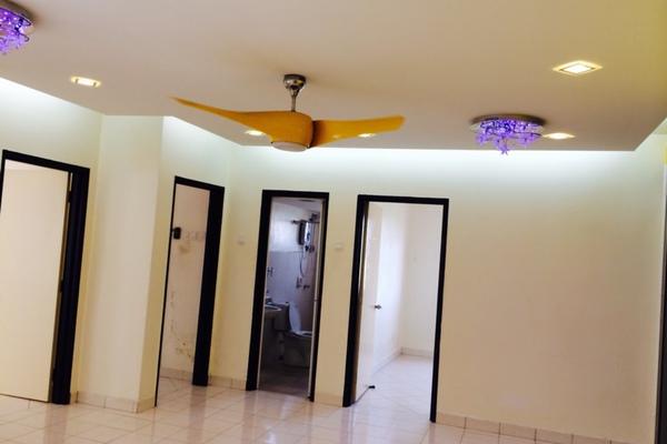 For Rent Condominium at Bayu Puteri, Tropicana Leasehold Semi Furnished 3R/2B 1.4k