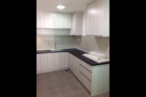 For Sale Condominium at Parc @ One South, Seri Kembangan Leasehold Semi Furnished 3R/2B 438k