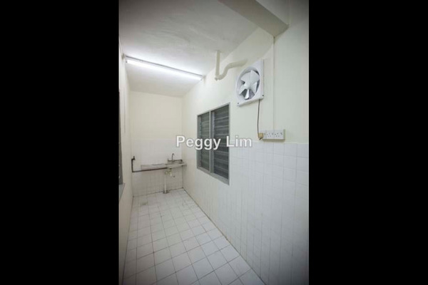 For Sale Terrace at Taman Gombak Ria, Gombak Freehold Unfurnished 3R/3B 499k