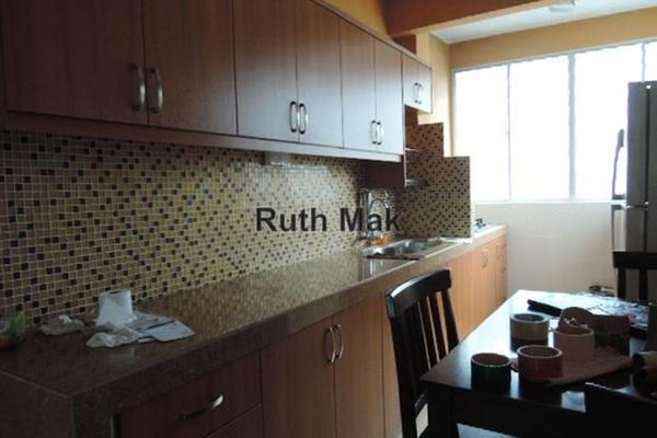 For Sale Apartment at Sri Tanjung Apartment, Bandar Puchong Jaya Leasehold Unfurnished 3R/2B 450k
