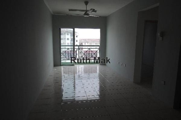 For Sale Condominium at Casa Riana, Bandar Putra Permai Leasehold Unfurnished 3R/2B 289k