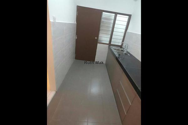 For Rent Apartment at Saraka Apartment, Pusat Bandar Puchong Leasehold Semi Furnished 3R/2B 1.3k