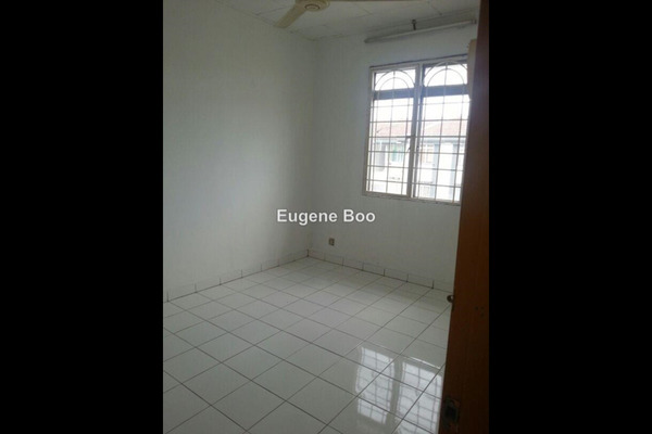 For Sale Apartment at Goodyear Court 6, UEP Subang Jaya Leasehold Unfurnished 3R/2B 340k