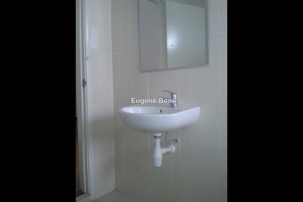 For Rent Terrace at Indah Residences, Kota Kemuning Leasehold Semi Furnished 4R/4B 1.7k