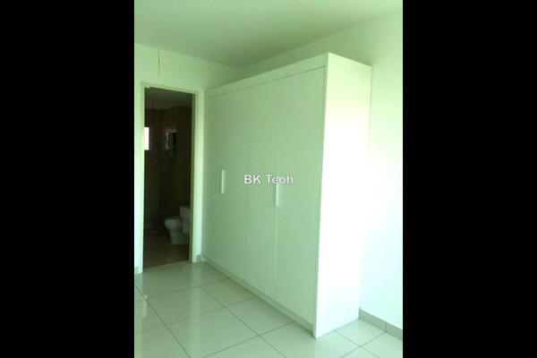 For Rent Condominium at Rimba Residence, Bandar Kinrara Leasehold Semi Furnished 4R/3B 2.25k