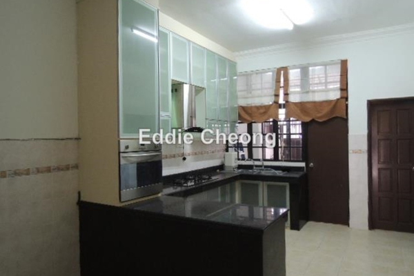 For Sale Terrace at BK9, Bandar Kinrara Freehold Semi Furnished 4R/4B 918k