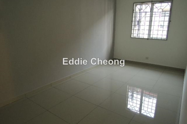 For Sale Terrace at USJ 12, UEP Subang Jaya Freehold Semi Furnished 4R/3B 858k