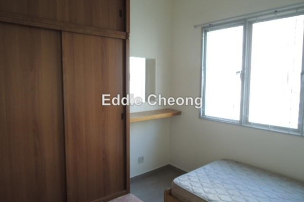 For Sale Apartment at Akasia Apartment, Pusat Bandar Puchong Leasehold Unfurnished 3R/2B 358k