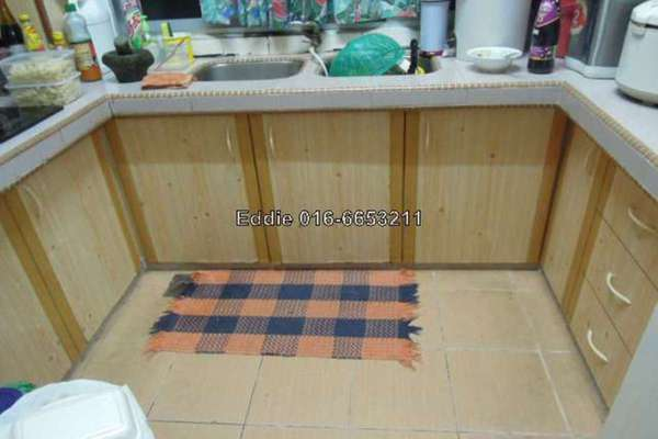 For Sale Apartment at Goodyear Court 10, UEP Subang Jaya Leasehold Semi Furnished 3R/2B 368k