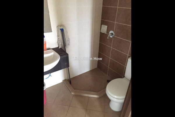 For Sale Condominium at Desa Idaman Residences, Puchong Leasehold Unfurnished 3R/2B 370k