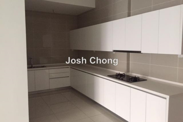 For Sale Condominium at Damansara Foresta, Bandar Sri Damansara Leasehold Unfurnished 3R/3B 750k