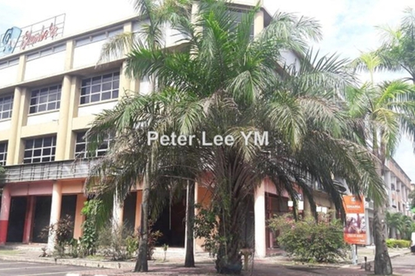 For Sale Shop at Taman Sri Muda, Shah Alam Leasehold Unfurnished 0R/0B 3m