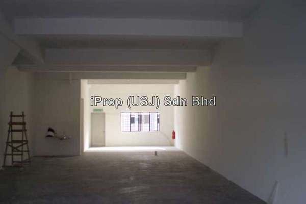 For Sale Shop at Section 31, Kota Kemuning Leasehold Unfurnished 0R/0B 900k