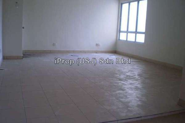 For Rent Apartment at Randa Apartment, Bukit Rimau Leasehold Unfurnished 3R/2B 900translationmissing:en.pricing.unit