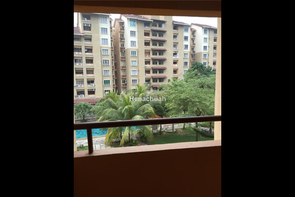 For Sale Apartment at Paradesa Tropika, Bandar Sri Damansara Freehold Unfurnished 3R/2B 560Ribu