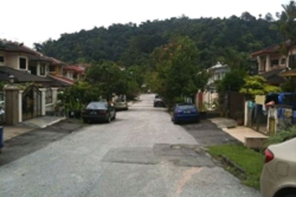 For Sale Terrace at Taman Rasmi Jaya, Ampang Leasehold Semi Furnished 4R/3B 750k