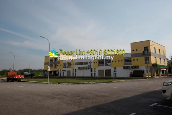 For Sale Shop at Semenyih Parklands, Semenyih Freehold Unfurnished 0R/0B 900k