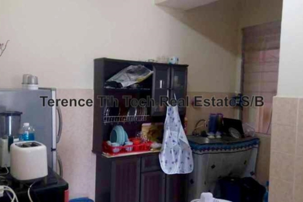 For Sale Condominium at Desa Saujana, Seri Kembangan Freehold Unfurnished 3R/2B 378k