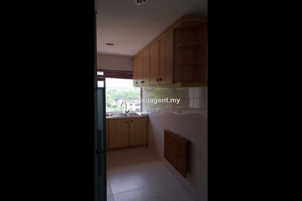 For Rent Condominium at Shahzan Court, Ampang Hilir Freehold Semi Furnished 3R/2B 3k