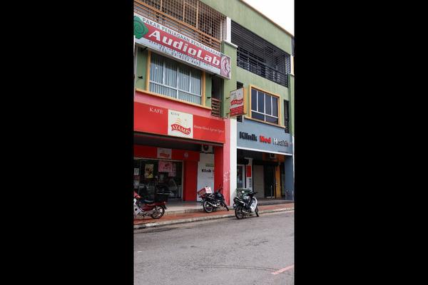 For Rent Shop at Danau Lumayan Avenue, Bandar Sri Permaisuri Leasehold Unfurnished 0R/0B 2.3k