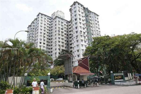 For Sale Condominium at Seri Mas, Bandar Sri Permaisuri Leasehold Unfurnished 3R/2B 530k