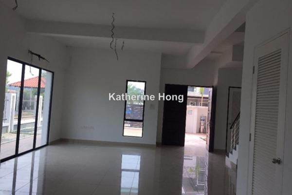 For Sale Link at Kinrara KingsGate, Puchong Leasehold Unfurnished 5R/5B 2.3m