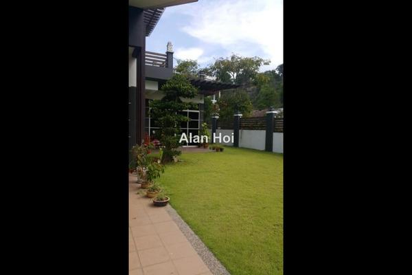 For Sale Terrace at Taman Bukit Serdang, Seri Kembangan Freehold Unfurnished 4R/3B 1.65m