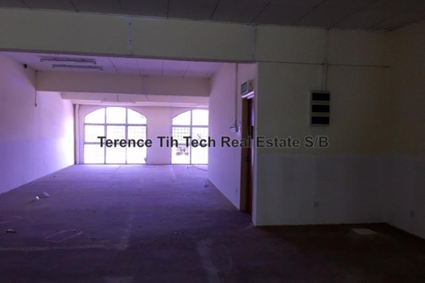 For Rent Shop at Taman Bukit Angsana, Cheras South Leasehold Unfurnished 0R/0B 1.5k