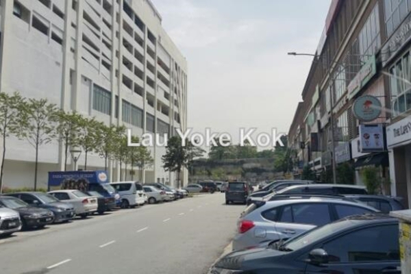For Sale Shop at The Strand, Kota Damansara Leasehold Unfurnished 0R/0B 3.9m