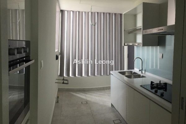 For Sale Condominium at Verde, Ara Damansara Leasehold Semi Furnished 3R/2B 890k