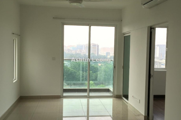 For Rent Condominium at Hijauan Saujana, Saujana Leasehold Semi Furnished 1R/1B 1.4k
