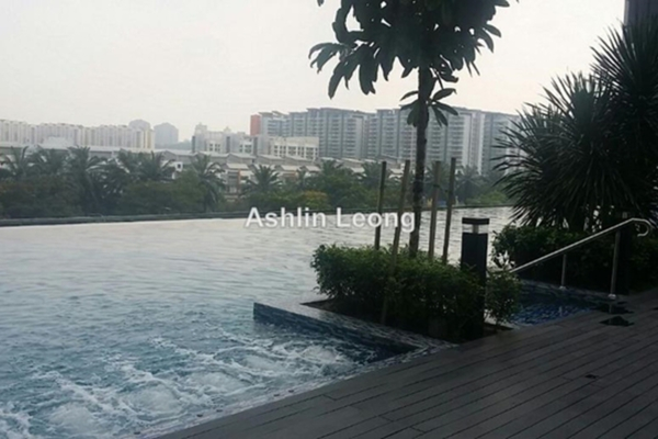 For Rent Serviced Residence at Nova Saujana, Saujana Leasehold Semi Furnished 2R/2B 1.6k