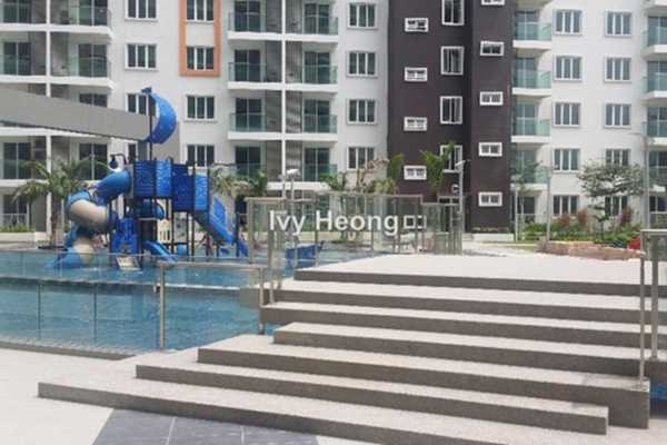 For Rent Condominium at Hijauan Saujana, Saujana Freehold Semi Furnished 1R/1B 1.4k