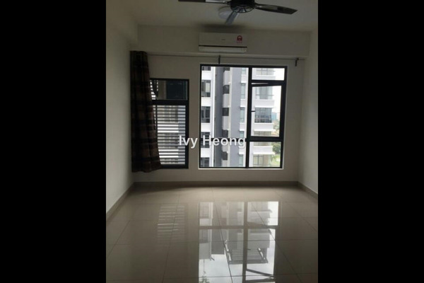 For Rent Condominium at Paramount Utropolis, Glenmarie Freehold Semi Furnished 3R/2B 3k
