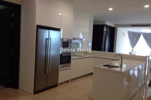 For Sale Condominium at 11 Mont Kiara, Mont Kiara Freehold Semi Furnished 3R/4B 2.31m