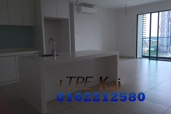 For Rent Condominium at Cristal Residence, Cyberjaya Freehold Semi Furnished 3R/3B 2.5k