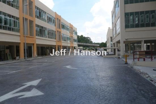 For Sale Shop at Connaught Avenue, Cheras Leasehold Unfurnished 0R/0B 1.25m