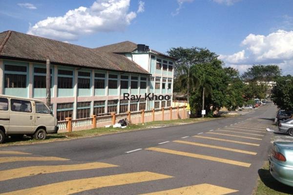 For Sale Terrace at Taman Bukit Kuchai, Puchong Leasehold Unfurnished 3R/2B 530k