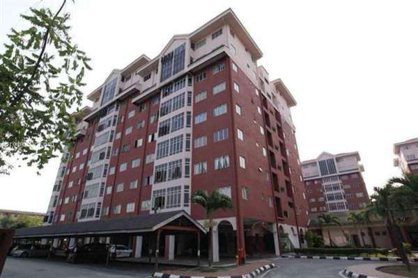 For Sale Condominium at Permai Villa, Puchong Leasehold Unfurnished 3R/2B 346k