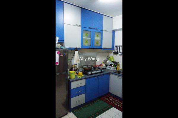 For Sale Apartment at Sri Ria Apartment, Kajang Freehold Unfurnished 3R/2B 230k