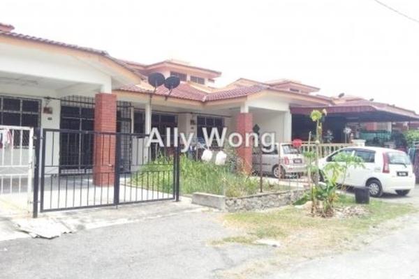 For Sale Terrace at Bandar Rinching, Semenyih Freehold Unfurnished 3R/2B 255k
