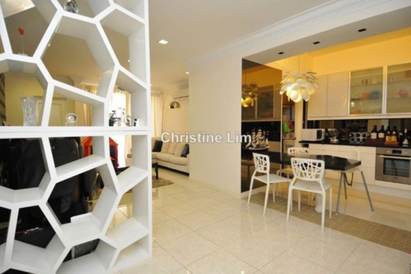 For Rent Condominium at Casa Tropicana, Tropicana Leasehold Semi Furnished 2R/2B 2.3k