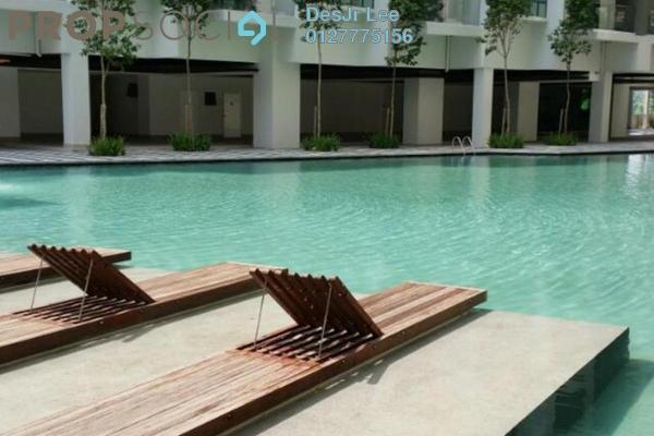 For Sale Condominium at Univ 360 Place, Seri Kembangan Leasehold Semi Furnished 3R/2B 520k
