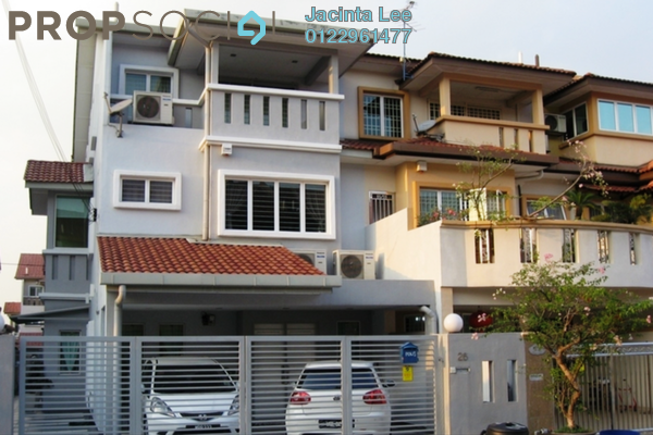 For Sale Terrace at Taman Megah, Kepong Freehold Semi Furnished 6R/4B 890k