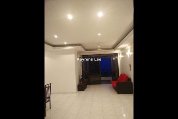 For Sale Apartment at E-Park, Batu Uban  Unfurnished 3R/2B 460k