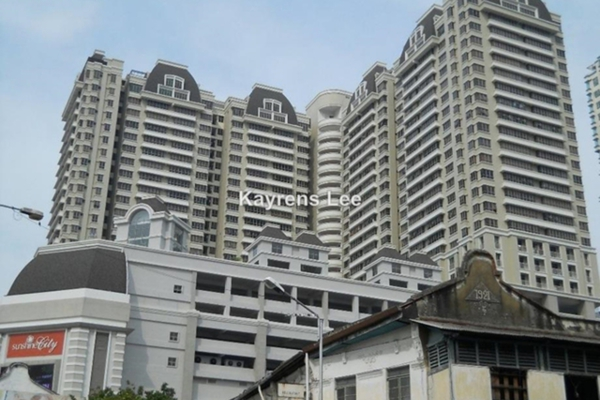 For Sale Condominium at Birch The Plaza, Georgetown Leasehold Unfurnished 3R/2B 870k