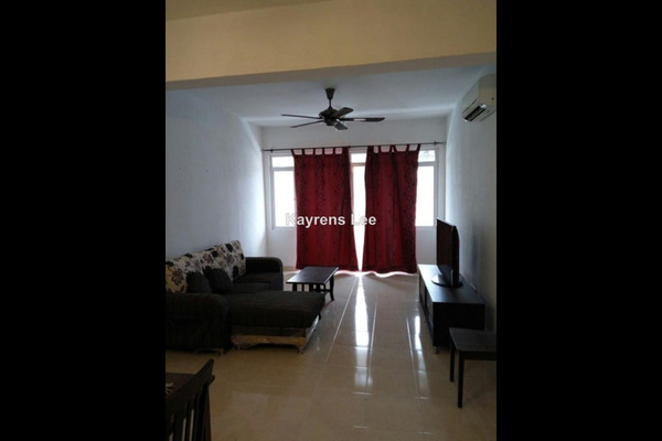 For Sale Condominium at D'Piazza Condominium, Bayan Baru Leasehold Unfurnished 3R/2B 560k